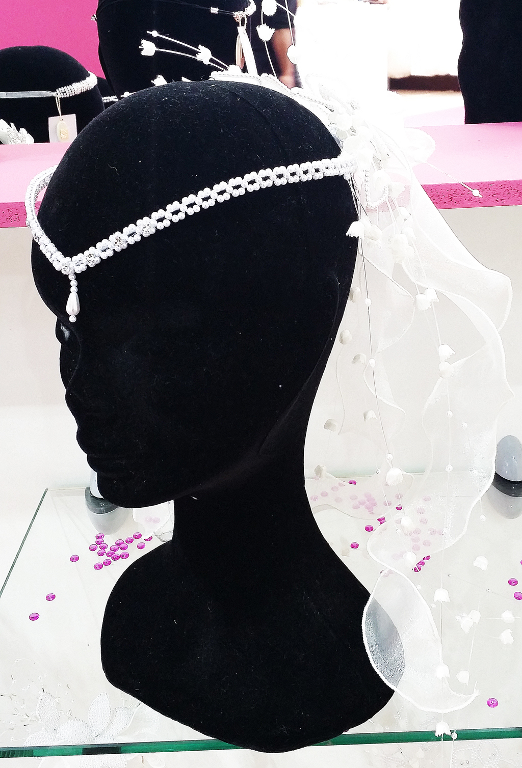 Castle-Key-Destination-Weddings-Specialist-Loire-Valley-France-Paris-Bridal-Fair-April-2015-Hair-Accessories